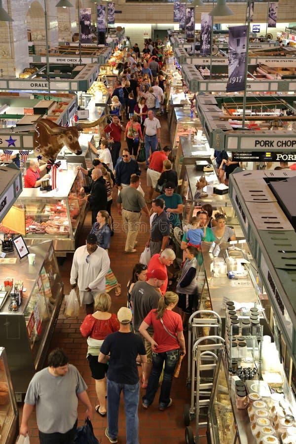 Πελάτες στην αγορά στοκ φωτογραφία με δικαίωμα ελεύθερης χρήσης