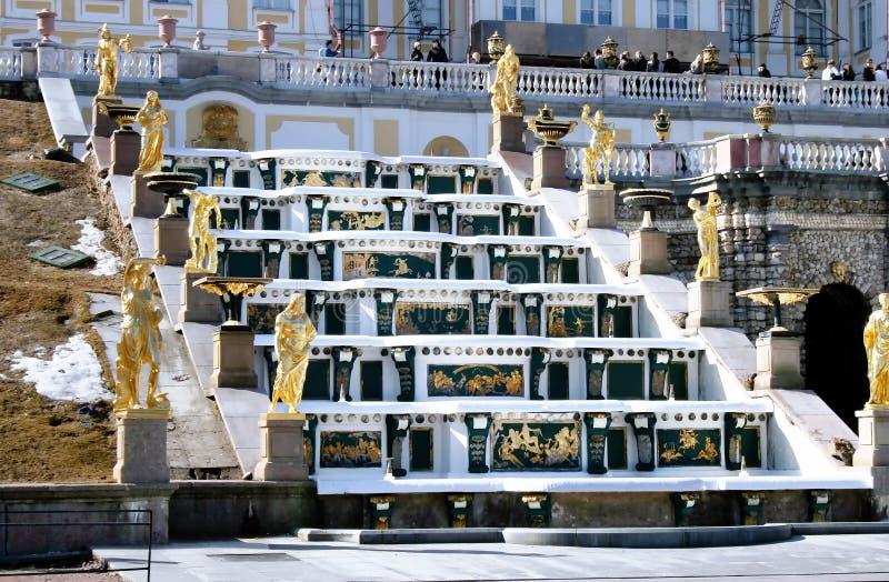 Πηγές σε Petrodvorets Peterhof, Άγιος Πετρούπολη, Ρωσία στοκ φωτογραφία