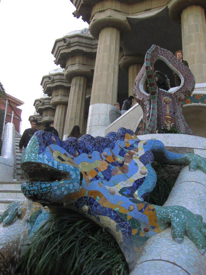 Πηγή Βαρκελώνη, Ισπανία σαυρών Guell Parc στοκ εικόνες