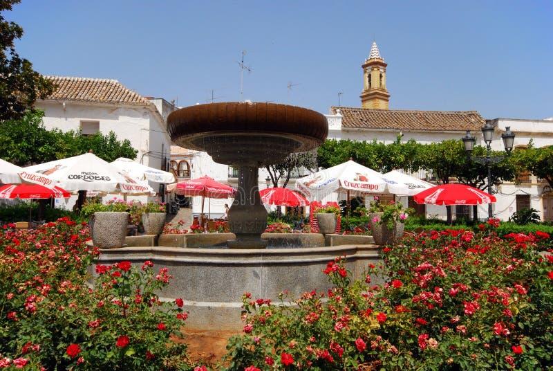Πηγή και καφέδες, Estepona στοκ εικόνες