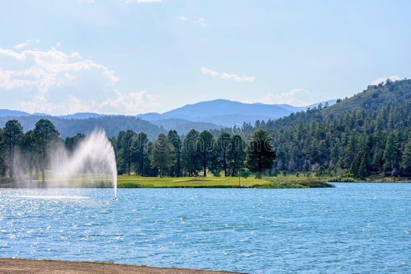 Πηγή νερού στο πάρκο Ruidoso στοκ εικόνες
