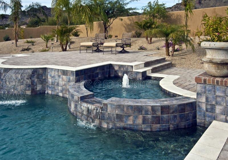πηγή υπαίθρια pool spa στοκ εικόνες