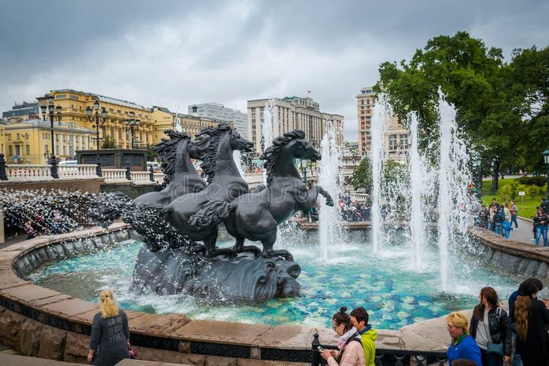 Πηγή Four Seasons που βρίσκεται μεταξύ του κήπου του Αλεξάνδρου και της πλατείας Manezh στοκ εικόνες με δικαίωμα ελεύθερης χρήσης