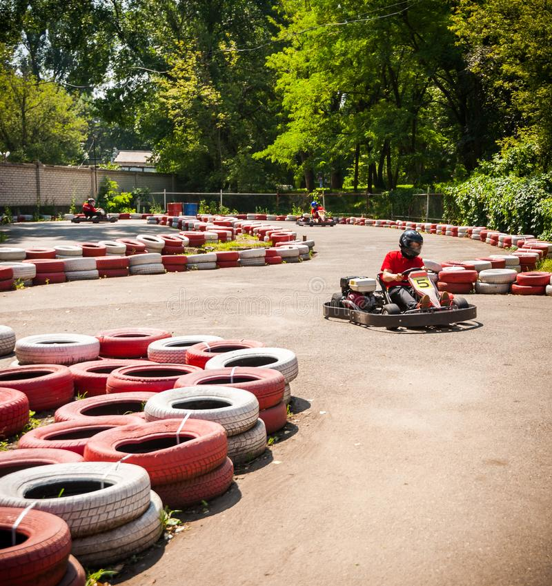 Πηγαίνετε kart αθλητικός διαγωνισμός φυλών κίνησης ταχύτητας στοκ εικόνα με δικαίωμα ελεύθερης χρήσης