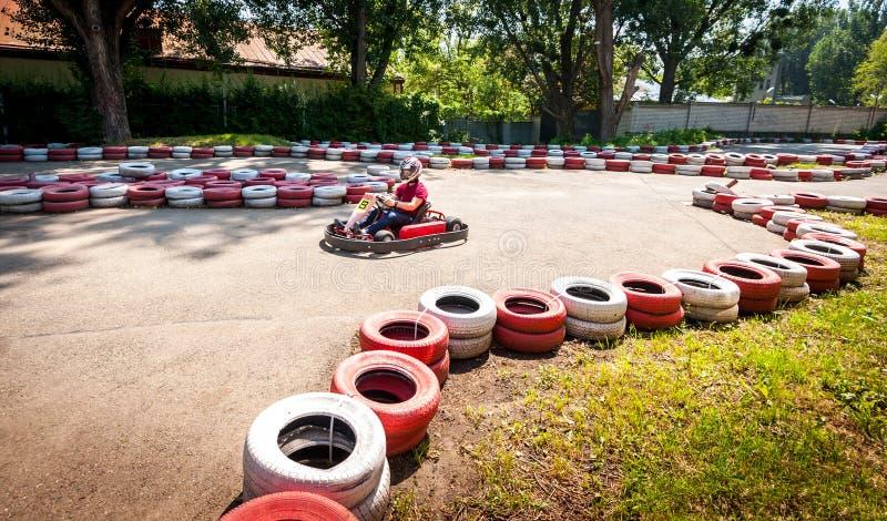 Πηγαίνετε kart αθλητικός διαγωνισμός φυλών κίνησης ταχύτητας στοκ φωτογραφίες με δικαίωμα ελεύθερης χρήσης