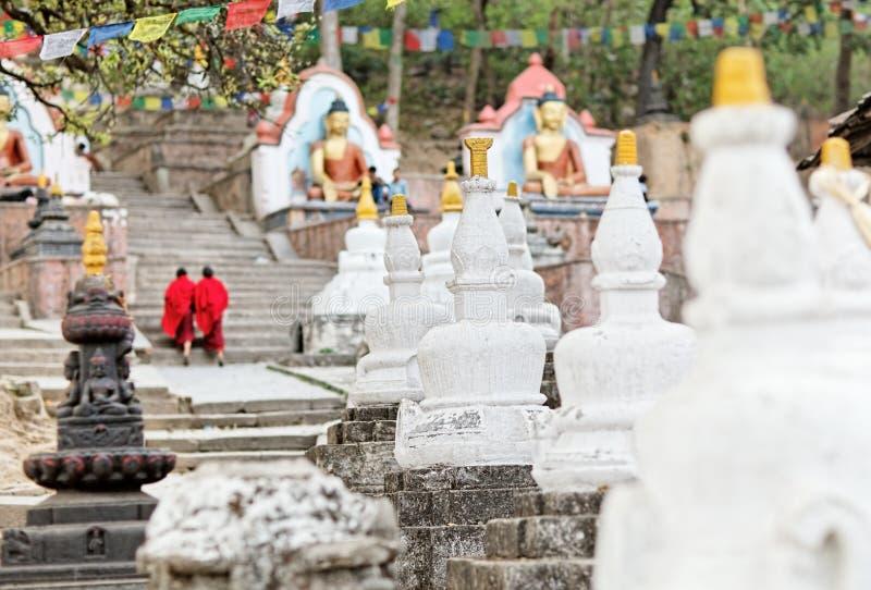πηγαίνοντας κόκκινο swayambhunath δύ&omi στοκ εικόνα με δικαίωμα ελεύθερης χρήσης