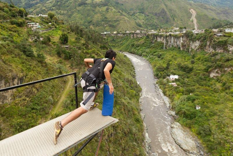 Πηδώντας ακολουθία Bungee στοκ εικόνα με δικαίωμα ελεύθερης χρήσης