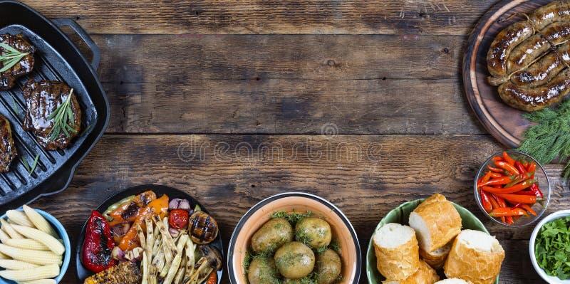 Πιάτα πλαισίων και σχαρών τροφίμων στοκ εικόνα