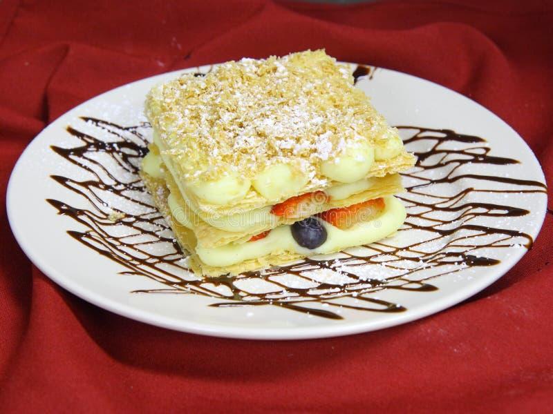 πιάτο κέικ napoleon στοκ φωτογραφίες