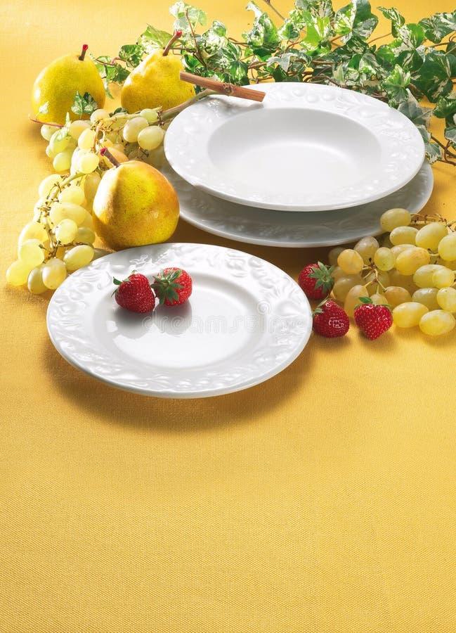 πιάτο καρπών στοκ εικόνες με δικαίωμα ελεύθερης χρήσης