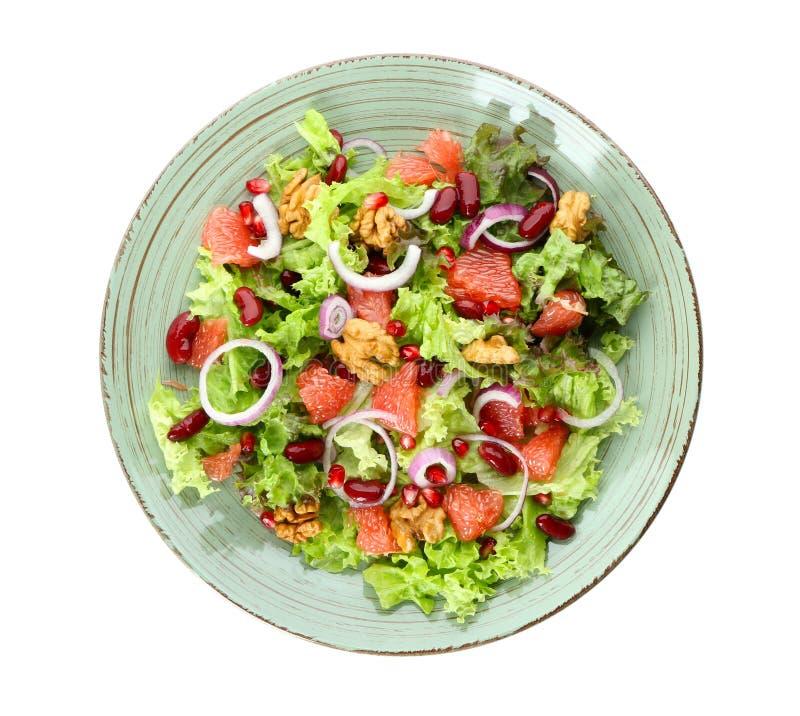 Πιάτο με την εύγευστη φρέσκια σαλάτα στο άσπρο υπόβαθρο στοκ φωτογραφίες με δικαίωμα ελεύθερης χρήσης