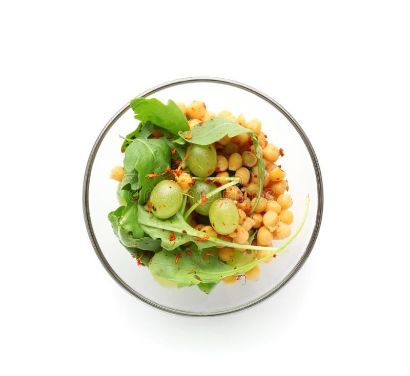 Πιάτο με την υγιή φρέσκια σαλάτα στο άσπρο υπόβαθρο στοκ εικόνα