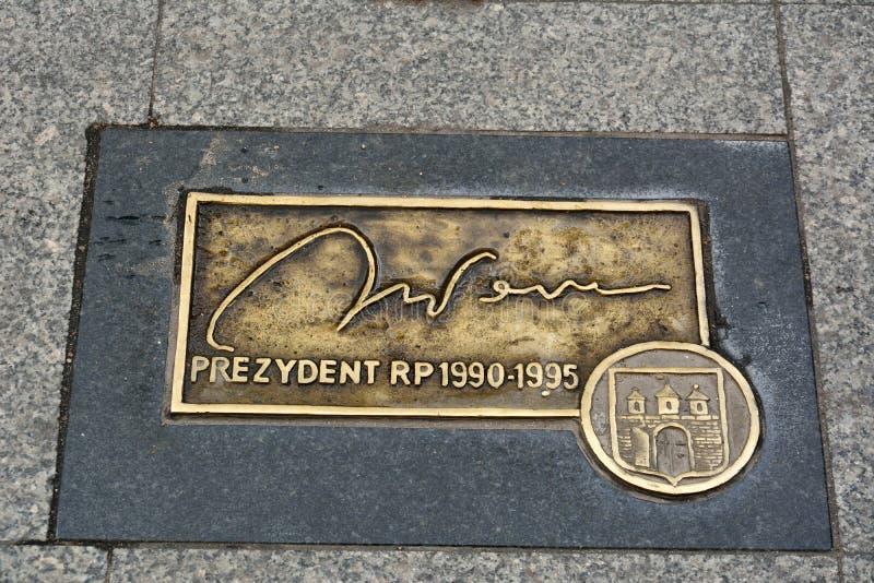 Πιάτο με την υπογραφή ανακούφισης του Lech Walesa στοκ φωτογραφίες