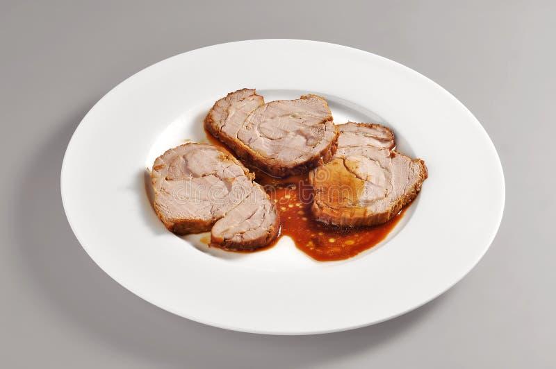 Πιάτο με την ψημένη μερίδα μοσχαρίσιων κρεάτων στοκ φωτογραφία