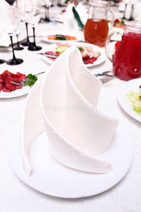 πιάτο πετσετών στοκ εικόνα με δικαίωμα ελεύθερης χρήσης