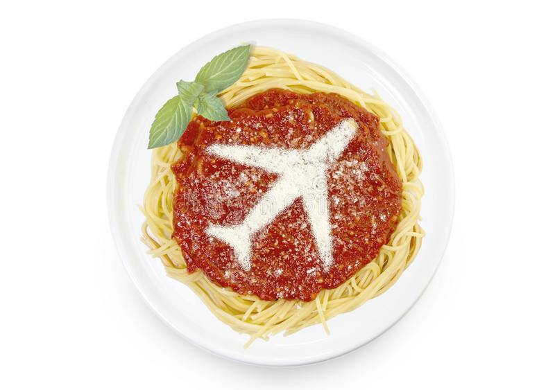 Πιάτο των ζυμαρικών με το τυρί παρμεζάνας με μορφή ενός αεροπλάνου στοκ εικόνες με δικαίωμα ελεύθερης χρήσης