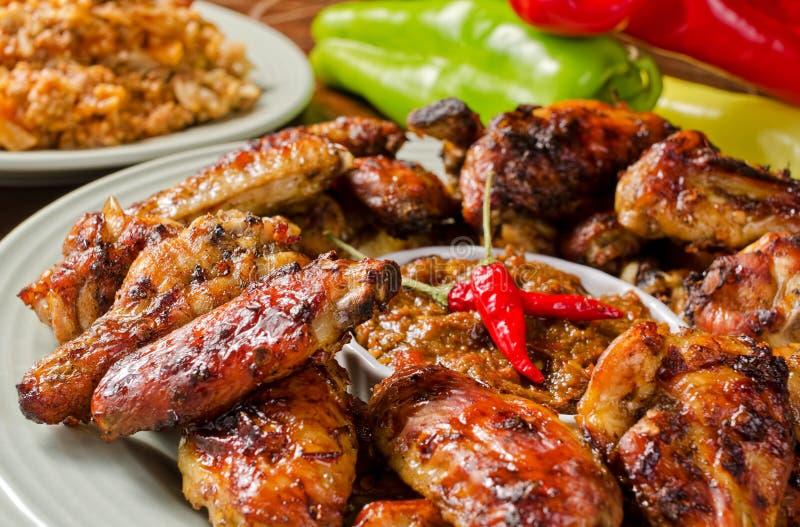 Πικάντικα φτερά κοτόπουλου στοκ εικόνες με δικαίωμα ελεύθερης χρήσης