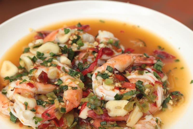 Πικάντικες φρέσκες γαρίδες - τρόφιμα της Ασίας στοκ εικόνα