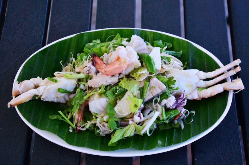 Πικάντικη σαλάτα θαλασσινών στοκ εικόνα