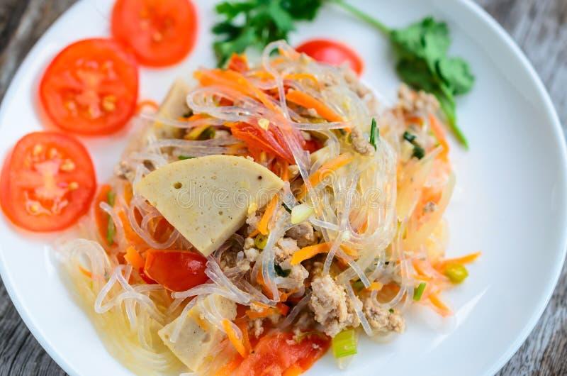 Πικάντικη σαλάτα νουντλς στοκ φωτογραφίες με δικαίωμα ελεύθερης χρήσης