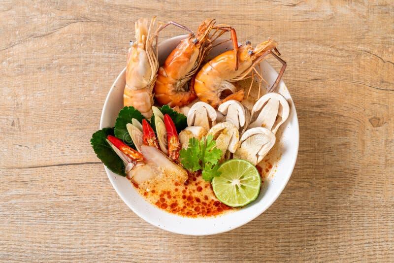 πικάντικη σούπα γαρίδων (Tom Yum Goong στοκ εικόνες με δικαίωμα ελεύθερης χρήσης