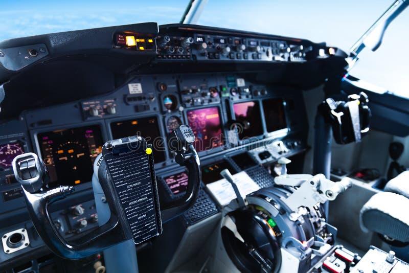 Πιλοτήριο αεροσκαφών επιβατών στοκ εικόνες