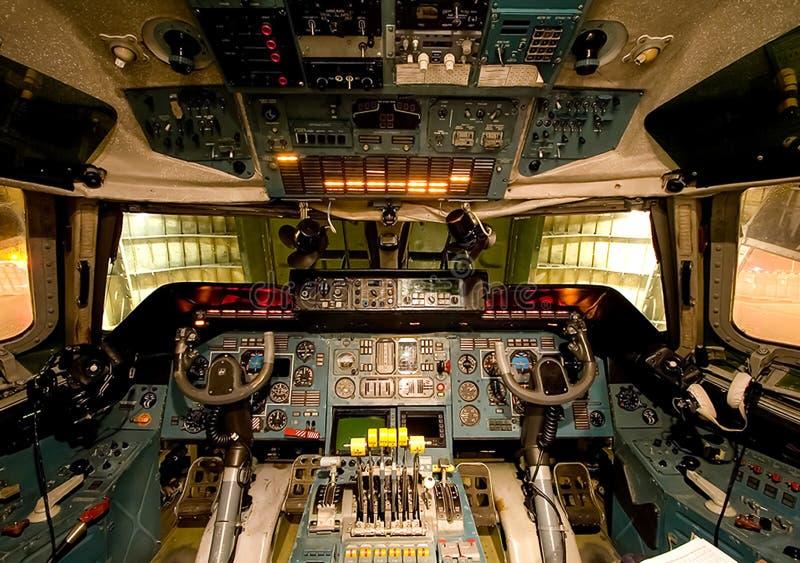 Πιλοτήριο ενός επιβάτη αεροπλάνου Άποψη από το πιλοτήριο κατά τη διάρκεια στοκ εικόνες με δικαίωμα ελεύθερης χρήσης