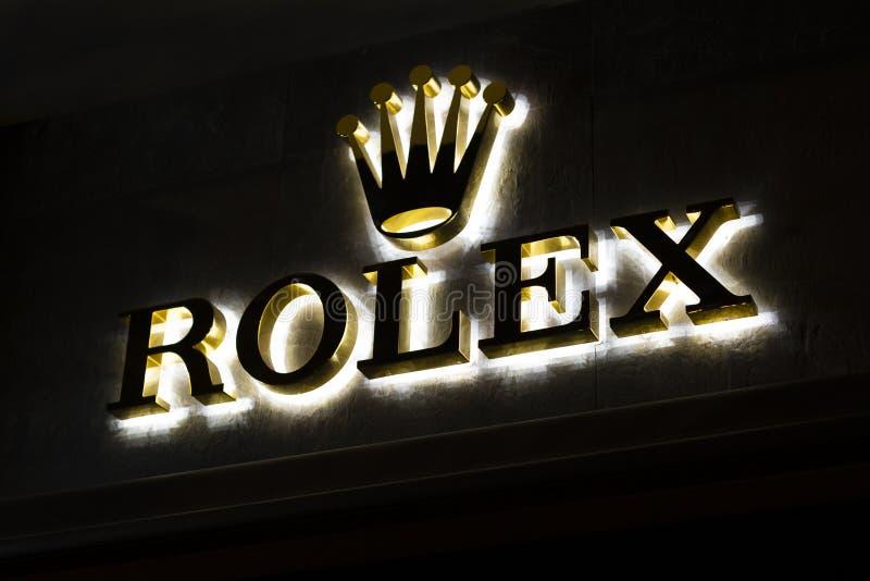 Πινακίδα καταστημάτων rolex με το λογότυπο εμπορικών σημάτων Κατάστημα του ρολογιού πολυτέλειας ασφαλίστρου στη Βαρκελώνη, Καταλω στοκ φωτογραφίες