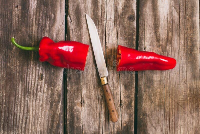 Πιπέρι και μαχαίρι στοκ φωτογραφίες