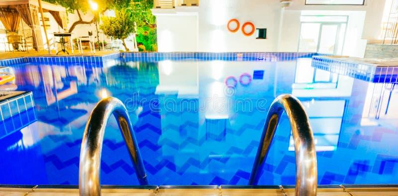 Πισίνα παραθαλάσσιων θερέτρων στοκ εικόνες με δικαίωμα ελεύθερης χρήσης