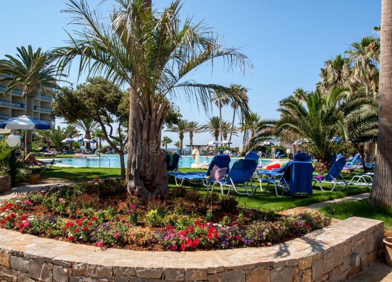 Πισίνα στο ξενοδοχείο πολυτελείας στη Malia στην Κρήτη, Ελλάδα στοκ εικόνες