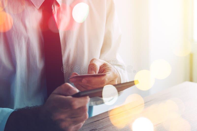 Πιστωτική κάρτα και κινητή πληρωμή στοκ εικόνες με δικαίωμα ελεύθερης χρήσης