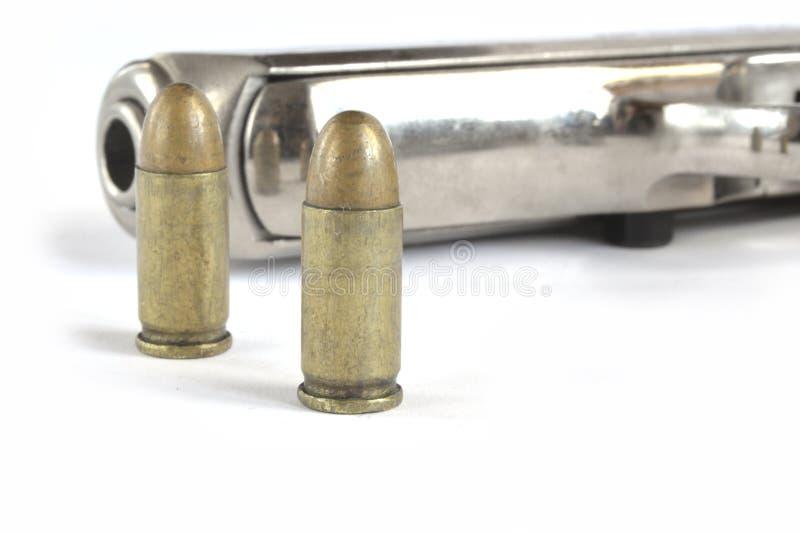 Πιστόλι και πυρομαχικά στοκ φωτογραφία