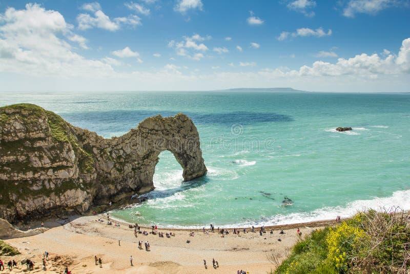 πιό dorest durdle jurassic UK πορτών ακτών παραλιών στοκ εικόνες