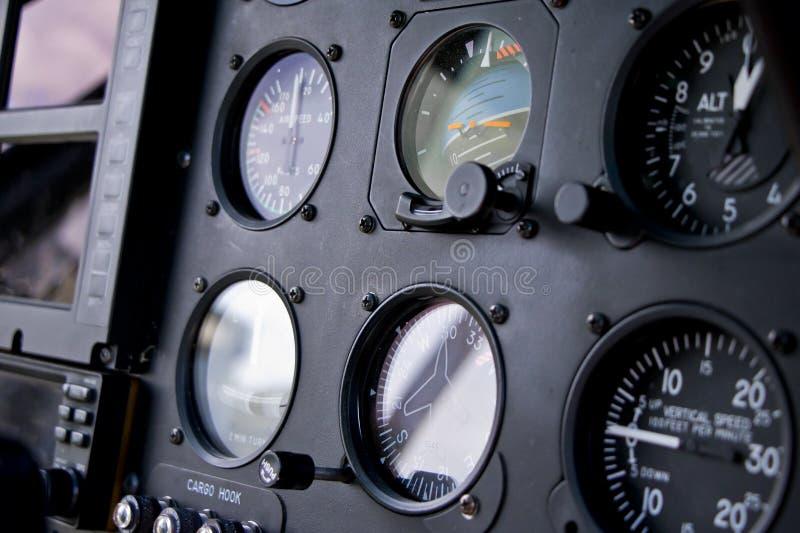 Πιλοτήριο ελικοπτέρων και επιτροπή οργάνων στοκ φωτογραφία με δικαίωμα ελεύθερης χρήσης