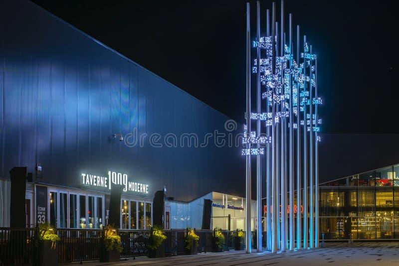 Πλάγια όψη κεντρικού Laval Κεμπέκ κουδουνιών στοκ εικόνες