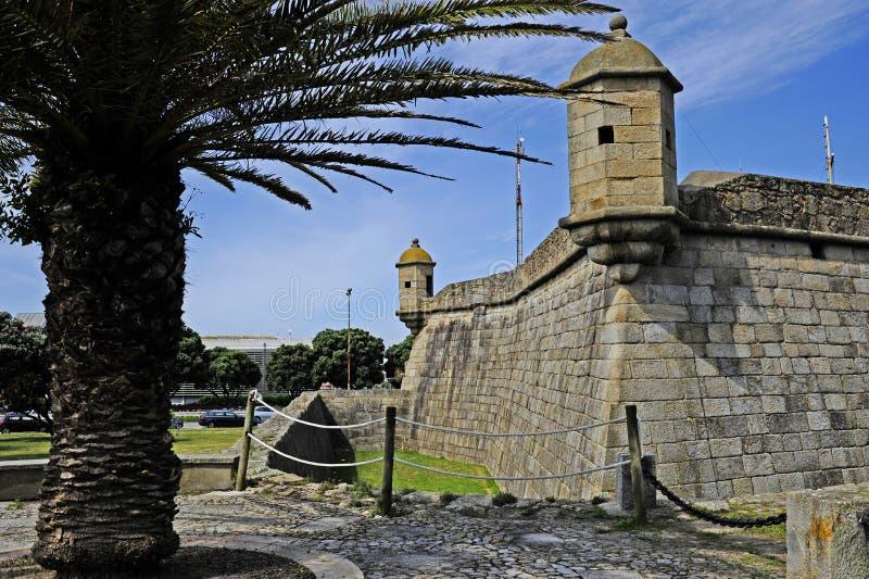Πλάγια όψη σχετικά με το κάστρο σε Leça DA Palmeira στοκ εικόνες