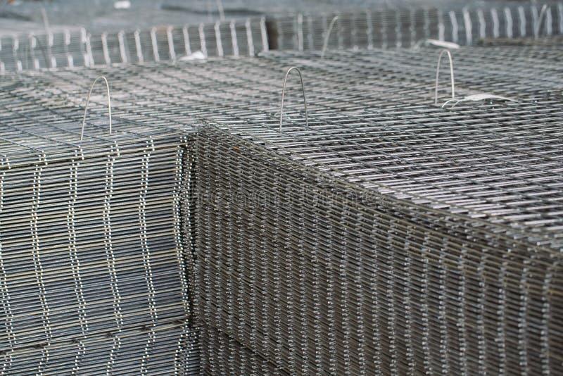 Πλέγμα μετάλλων Βαριά παραγωγή βιομηχανίας Κυλώντας εγκαταστάσεις μετάλλων στοκ εικόνες με δικαίωμα ελεύθερης χρήσης
