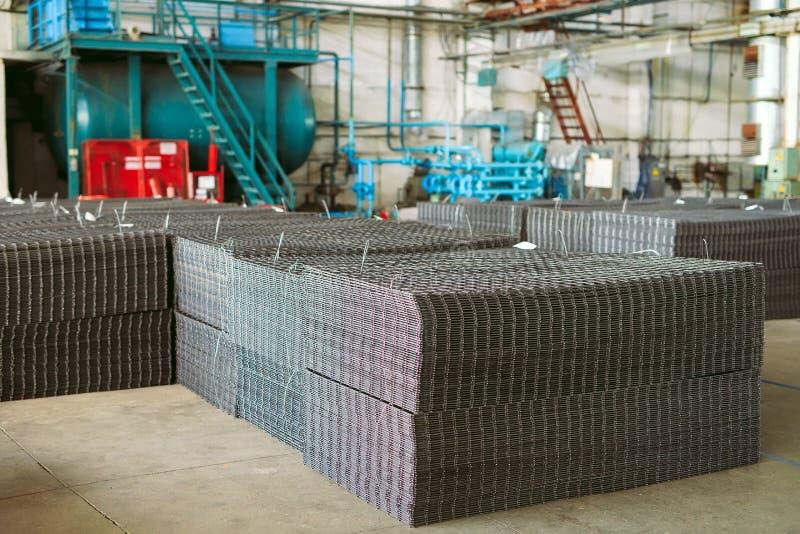 Πλέγμα μετάλλων Βαριά παραγωγή βιομηχανίας Κυλώντας εγκαταστάσεις μετάλλων στοκ φωτογραφίες με δικαίωμα ελεύθερης χρήσης