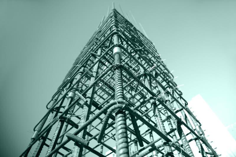 Πλέγμα χάλυβα στο εργοτάξιο οικοδομής στοκ εικόνες με δικαίωμα ελεύθερης χρήσης