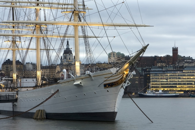 πλέοντας σκάφος γυρολό&gamma στοκ εικόνα με δικαίωμα ελεύθερης χρήσης