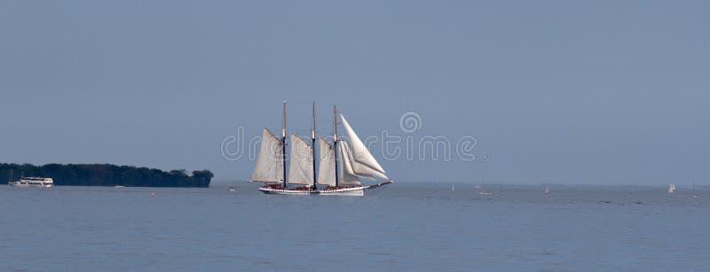 πλέοντας σκάφος ψηλό Στοκ Φωτογραφία