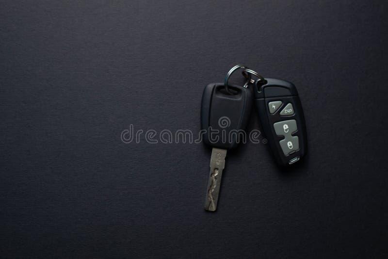 Πλήκτρα αυτοκινήτου με τηλεχειριστήριο από συναγερμό αυτοκινήτου στοκ εικόνα