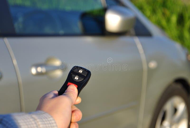 πλήκτρα εκμετάλλευσης χεριών αυτοκινήτων στοκ εικόνα