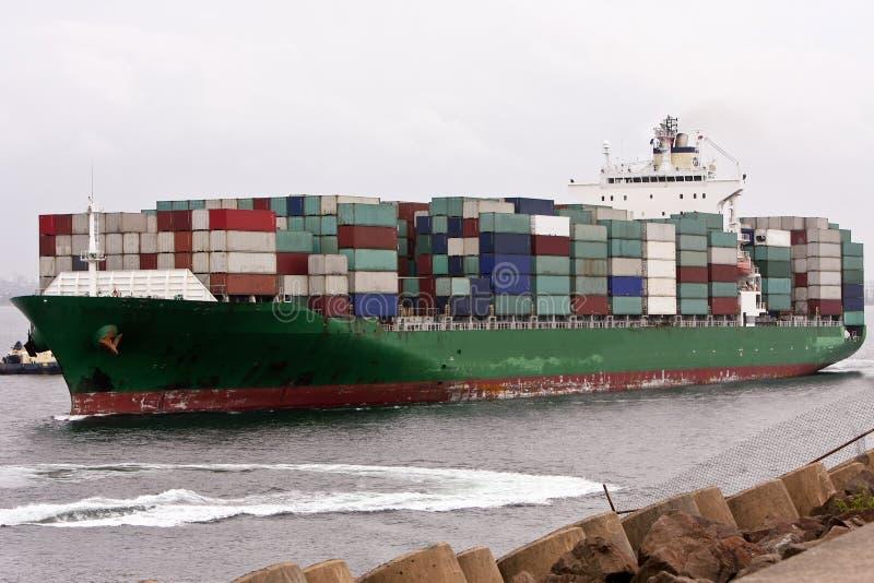πλήρες σκάφος φορτίων εμπ&o στοκ φωτογραφία με δικαίωμα ελεύθερης χρήσης