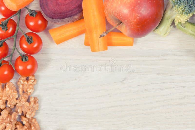 Πλαίσιο των καλύτερων θρεπτικών φυσικών τροφίμων για την υγεία και την καλή μνήμη, υγιής κατανάλωση, θέση για το κείμενο στοκ φωτογραφία με δικαίωμα ελεύθερης χρήσης