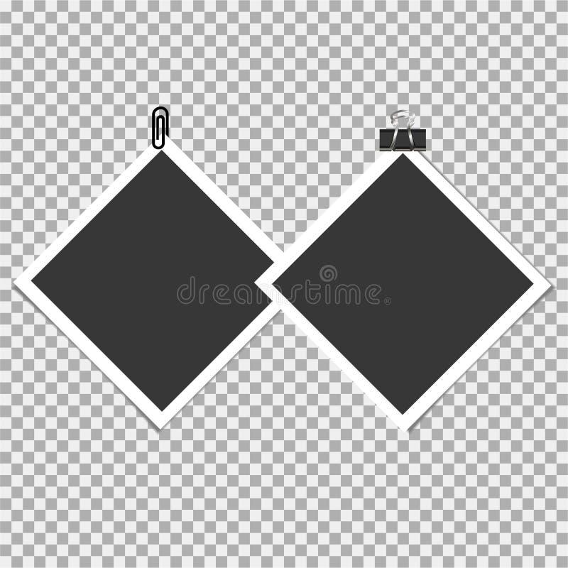 Πλαίσιο φωτογραφιών Polaroid με την καρφίτσα, συνδετήρας και με την κολλώδη ταινία στο γκρίζο υπόβαθρο επίσης corel σύρετε το διά απεικόνιση αποθεμάτων