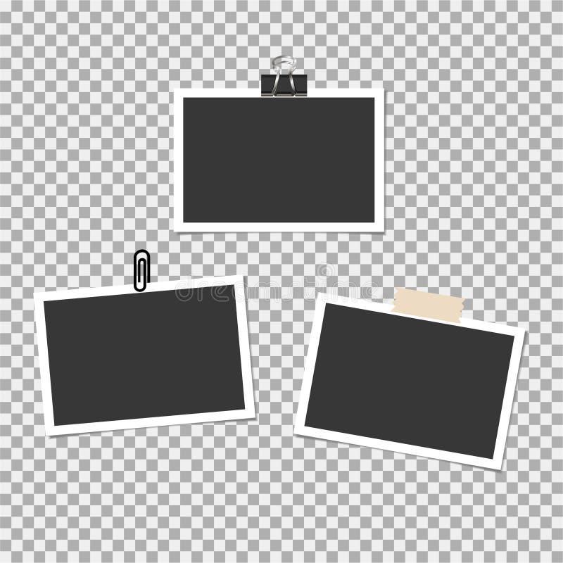 Πλαίσιο φωτογραφιών Polaroid με την καρφίτσα, συνδετήρας και με την κολλώδη ταινία στο γκρίζο υπόβαθρο επίσης corel σύρετε το διά ελεύθερη απεικόνιση δικαιώματος