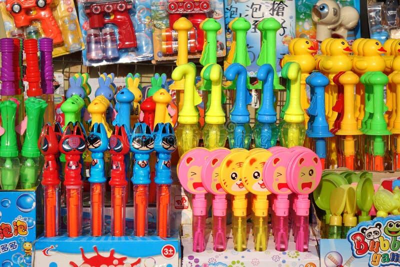 Πλανόδιοι πωλητές Πουλούν Παιχνίδια Σαπουνόπερας στοκ φωτογραφία με δικαίωμα ελεύθερης χρήσης