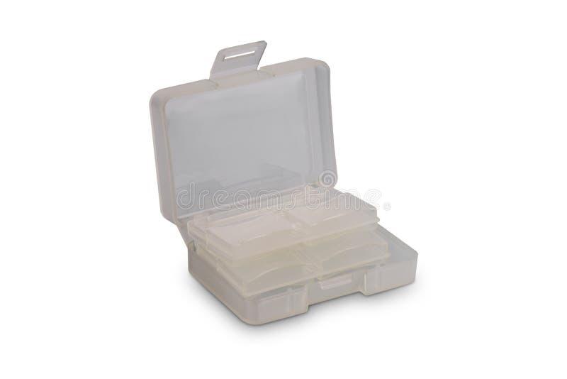 Πλαστική περίπτωση για την αποθήκευση καρτών SD ή κιβώτιο καρτών μνήμης που απομονώνεται στο άσπρο υπόβαθρο στοκ φωτογραφία